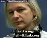 Julian Assange muž, ktorý robí mocným vrásky